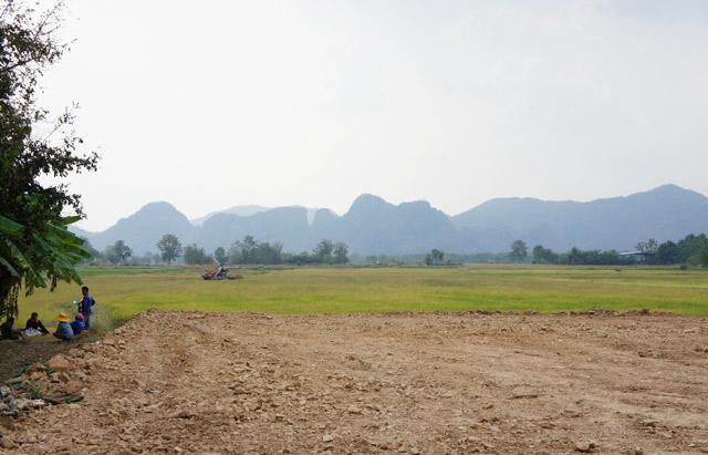 kanchanaburi-thailand-farmers