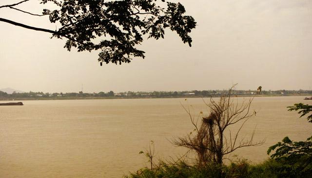 mekong-river-savannakhet-laos