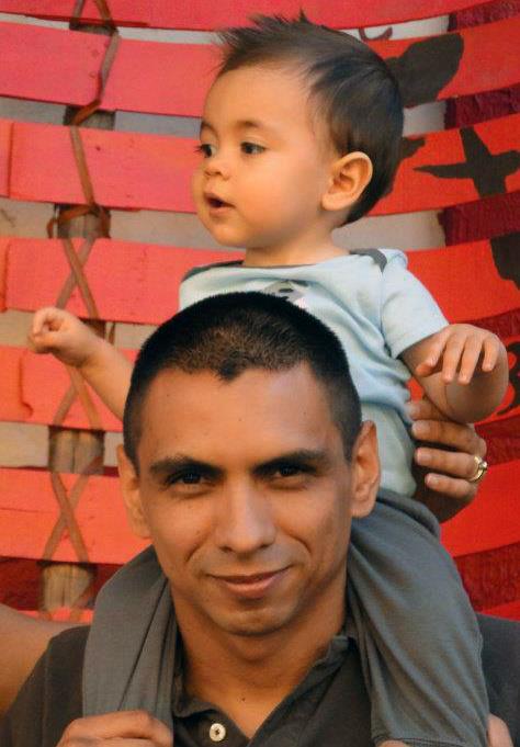 Carlos Singto Navarro + Leon