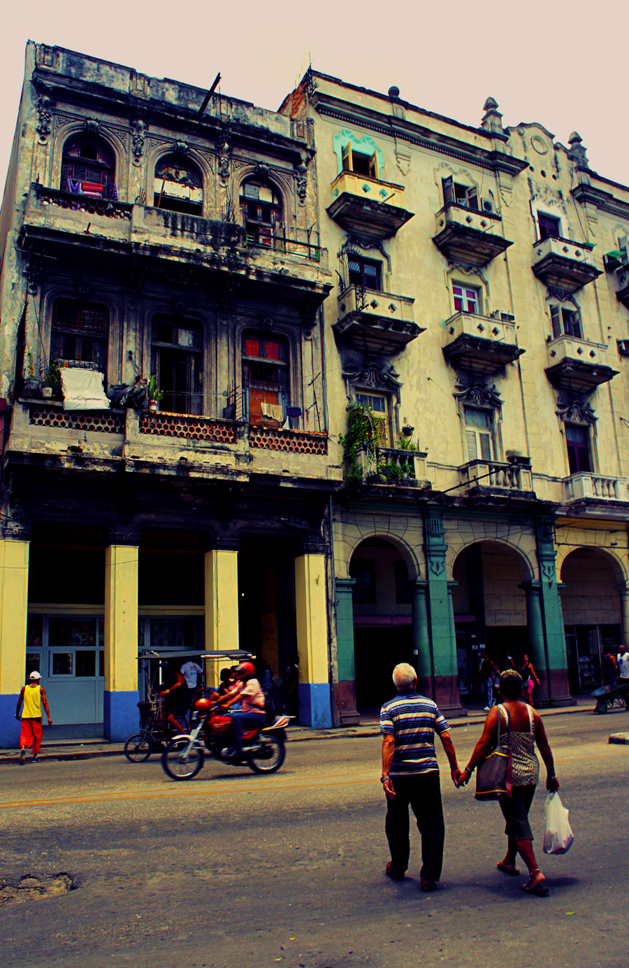 Old-Havana-Couple